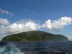 御蔵島全景